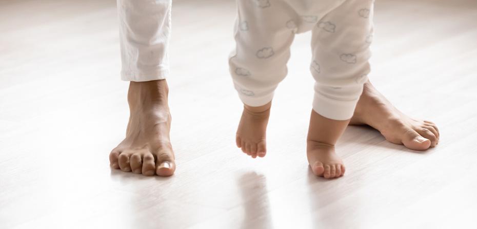 تصویر از روشهای فرزندپروری چگونه بر رشد کودک نوپا تأثیر میگذارد؟
