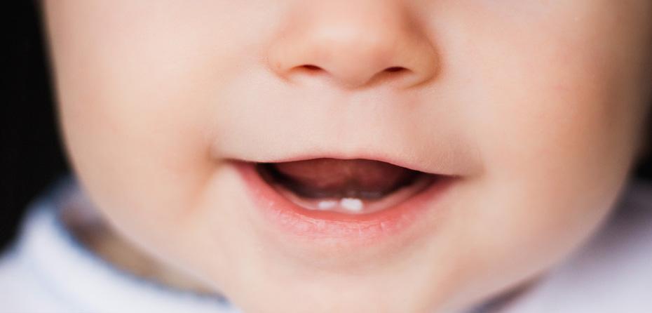 چهطور از اولین دندانهای کودک مراقبت کنیم؟