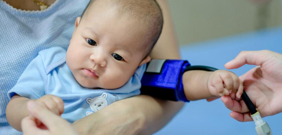 علائم فشار خون بالا در نوزادان چیست؟