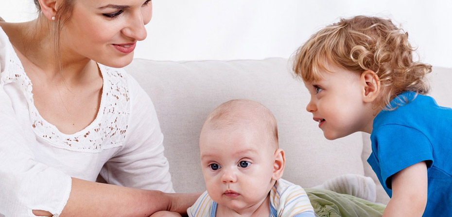 چگونه یک مادر باید با بچههای خود رفتار کند؟